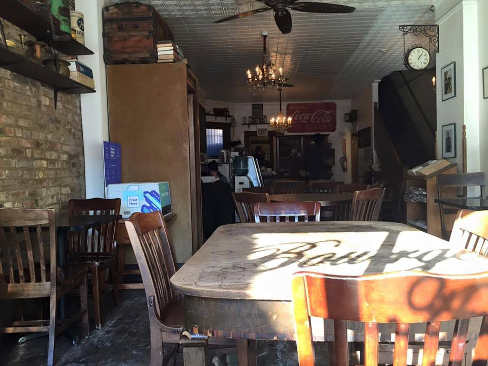 Bourgeois Cafe
