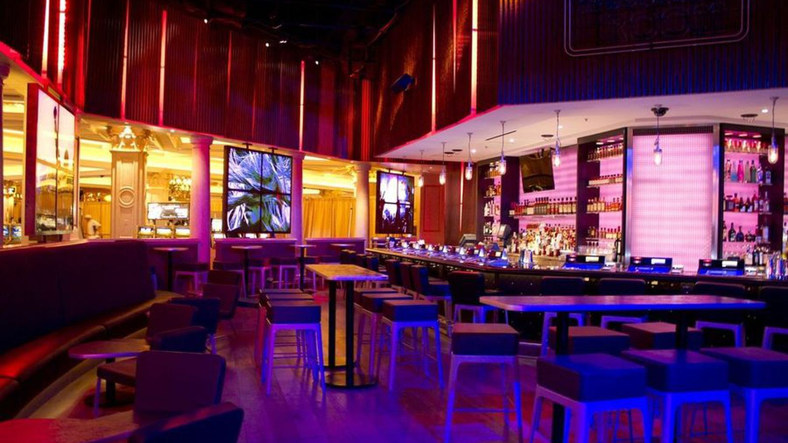 Rock Of Ages To Leave Venetian The Bourbon Room To Stay