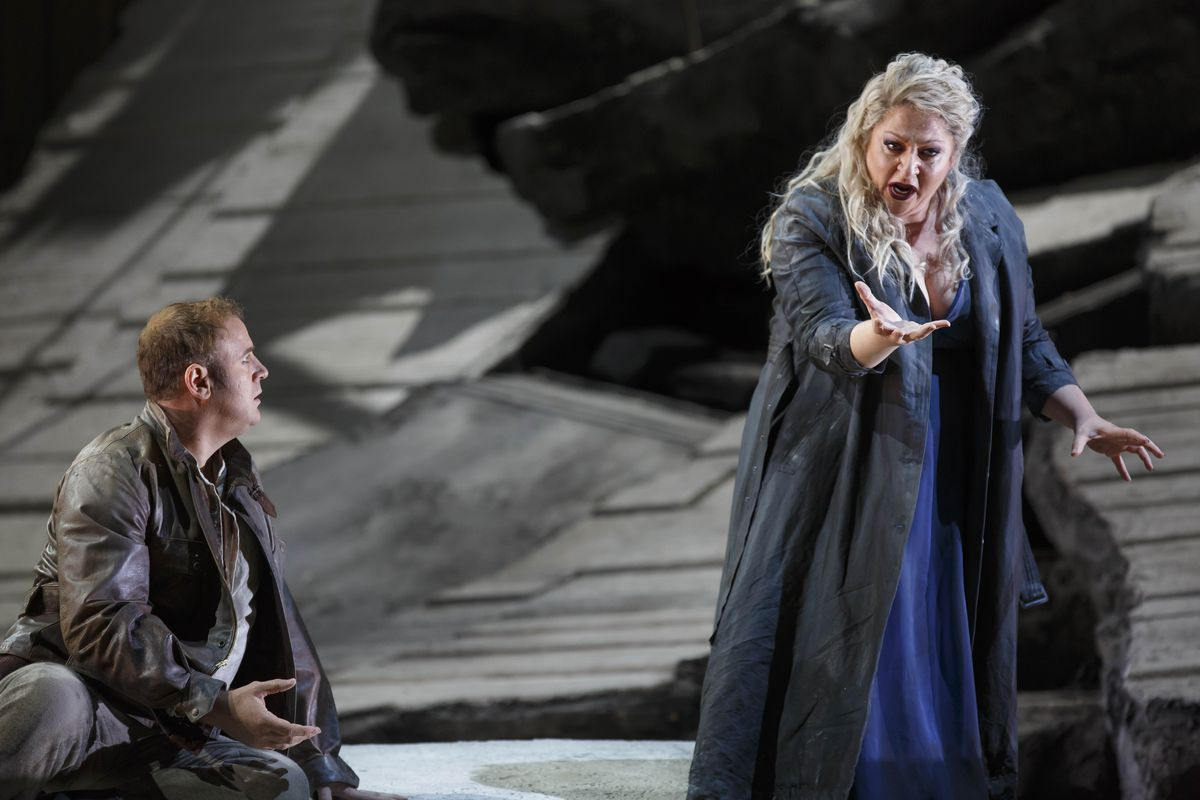 """Christine Goerke is Cassandra and Lucas Meacham is her fiance, Chorebus, in """"Les Troyens,"""" at Lyric Opera of Chicago. (Photo: Todd Rosenberg Photography)"""