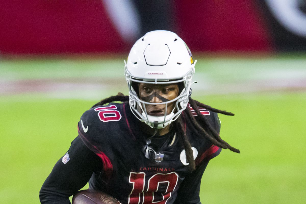 Arizona Cardinals wide receiver DeAndre Hopkins (10) against the Los Angeles Rams in the second half at State Farm Stadium.