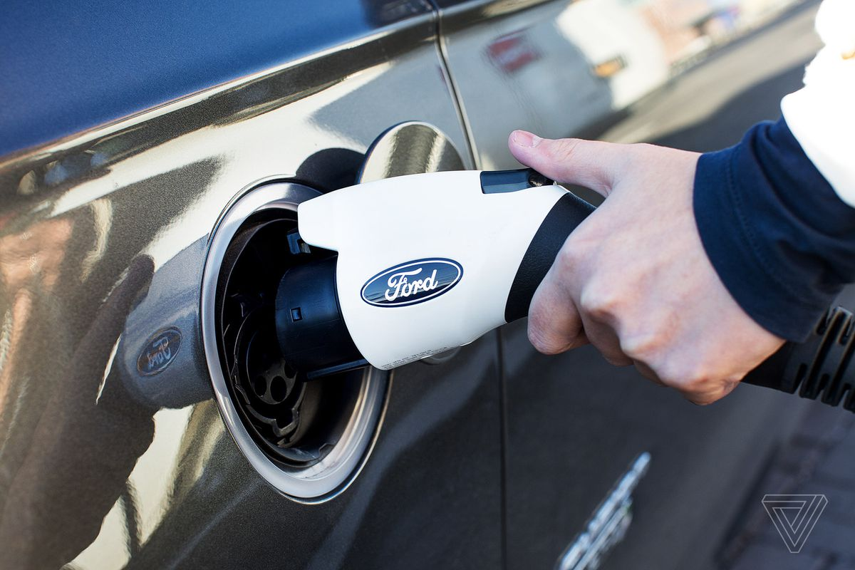 Ford CEO wants to accelerate automated vehicles with transportation mobility cloud