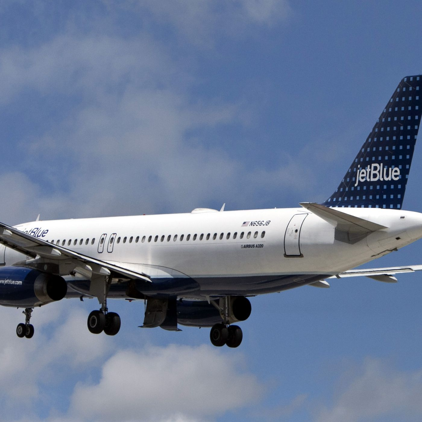 Jetblue Is Raising Its Checked Baggage Fees To 30 The Verge