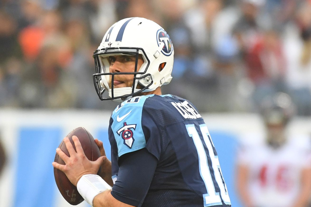 Titans backup QB Matt Cassel injures thumb