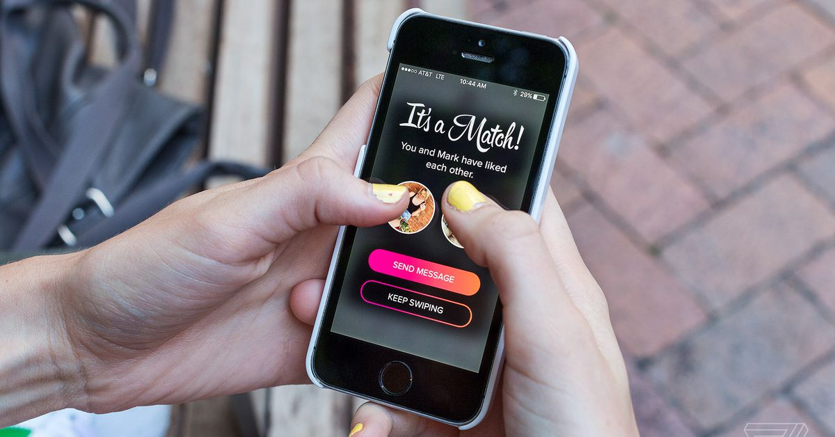 Tinder Promises Features that 'blur Lines' Between Physical and Digital Dating