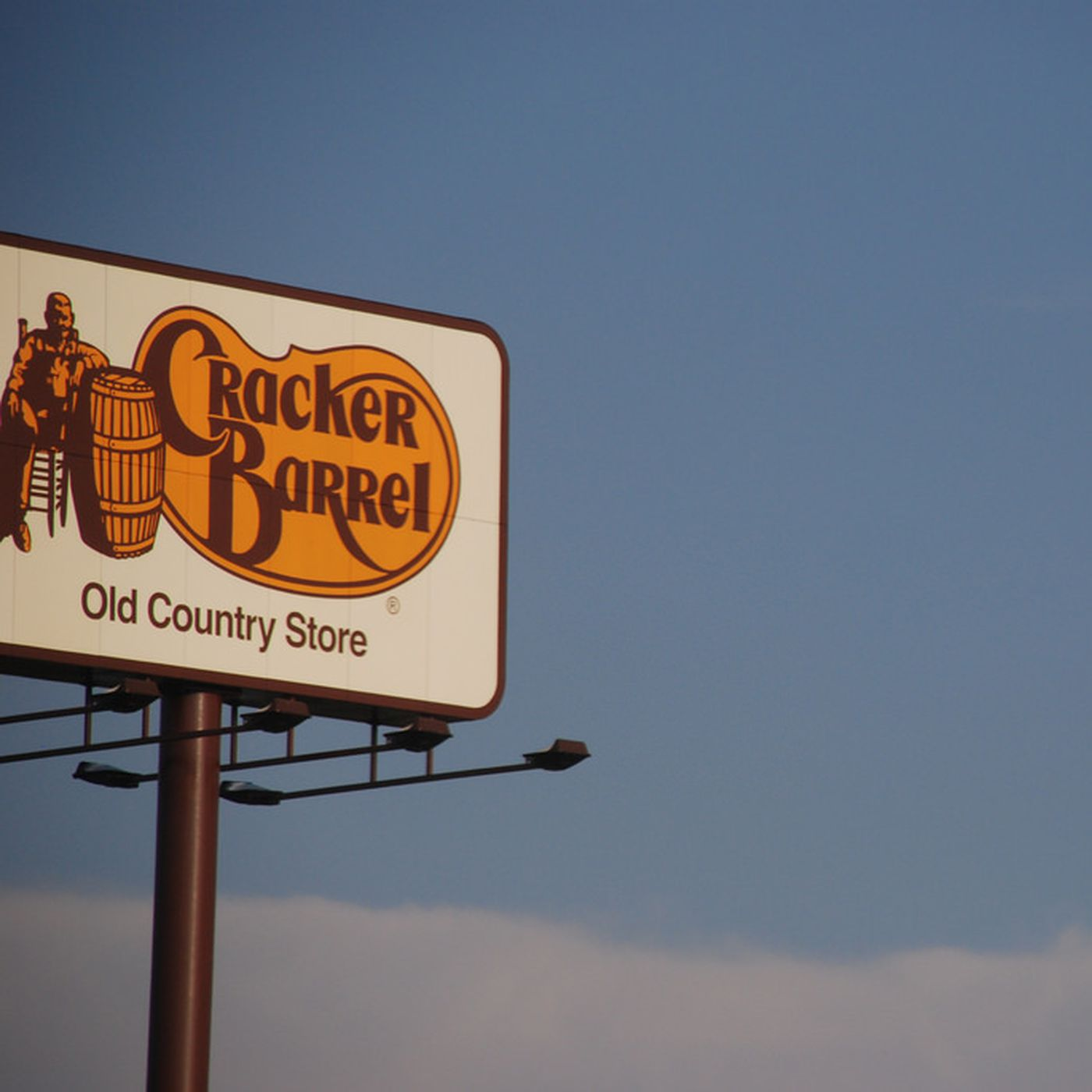 Cracker Barrel Aims For California Domination With Possible New