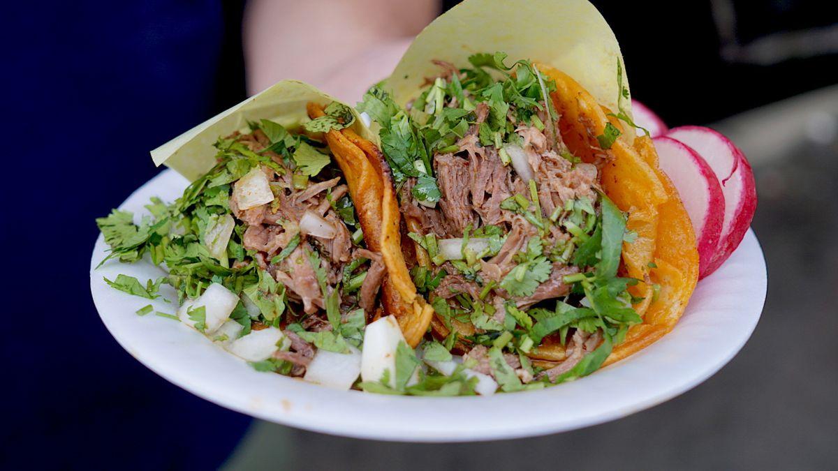 Tacos de birria de res at Birrieria Gonzalez
