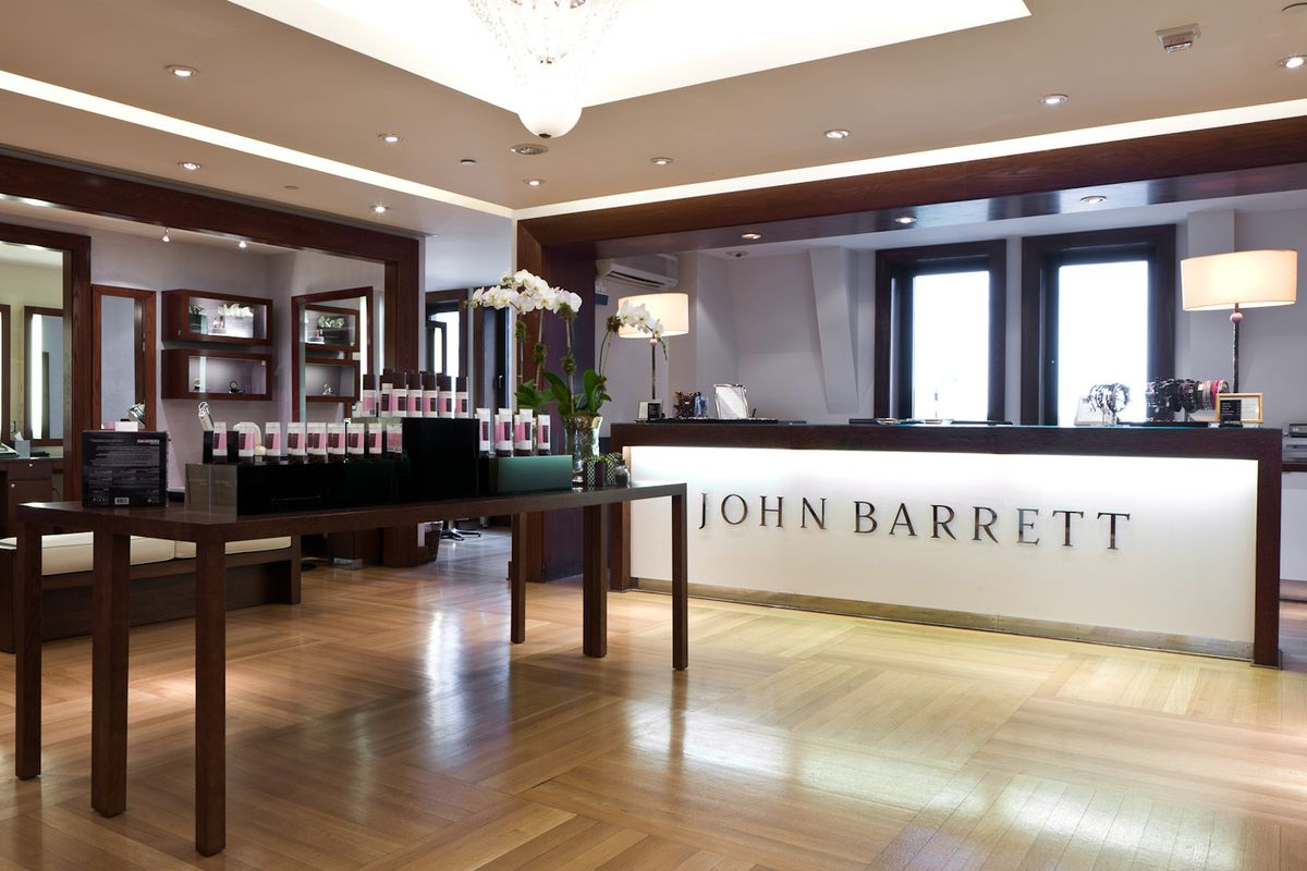 """The Bergdorf Goodman salon. Photo: <a href=""""http://www.johnbarrett.com/salon.html"""">John Barrett</a>"""