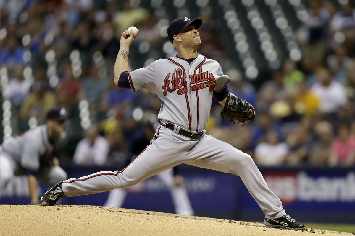 MILWAUKEE, WI - SEPTEMBER 11: Tim Hudson #15 of the Atlanta Braves pitches against the Milwaukee Brewers during the game at Miller Park on September 11, 2012 in Milwaukee, Wisconsin. (Photo by Mike McGinnis/Getty Images)