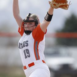 Murray's Anika Salvesen pitches against Riverton in a high school girls softball game at Riverview Junior High in Murray on Wednesday, April 7, 2021.