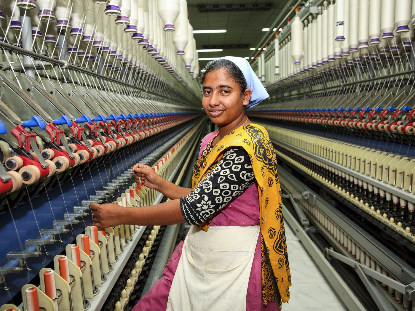 Why Is It So Hard For Clothing Manufacturers To Pay A Living Wage Vox
