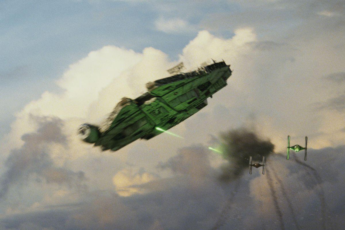 Star Wars: The Last Jedi - Millennium Falcon