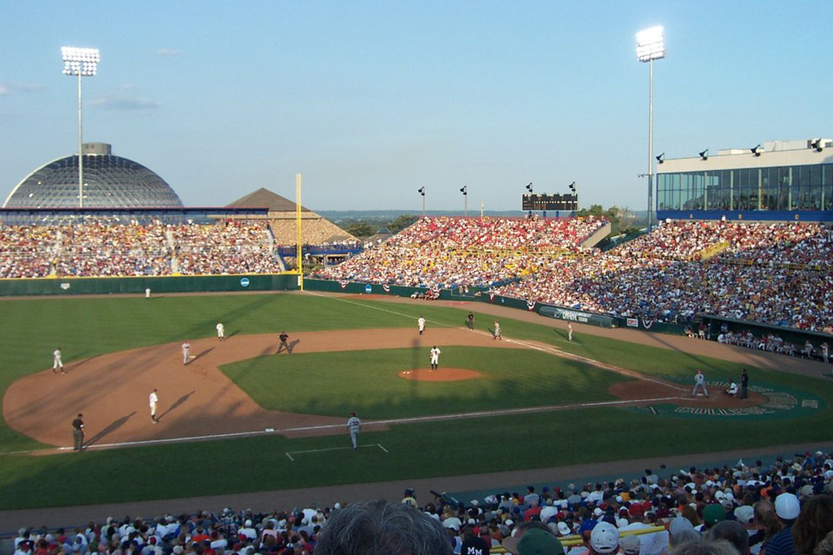 """Rosenblatt Stadium will play host to the College World Series for the final time in 2010 via <a href=""""http://omahaorbust.com/Documents/dome.jpg"""">omahaorbust.com</a>"""