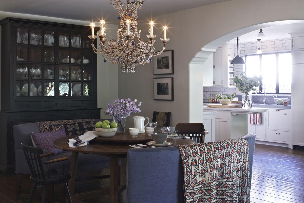 Alyson Hannigan/Alexis Denisof formal dining room