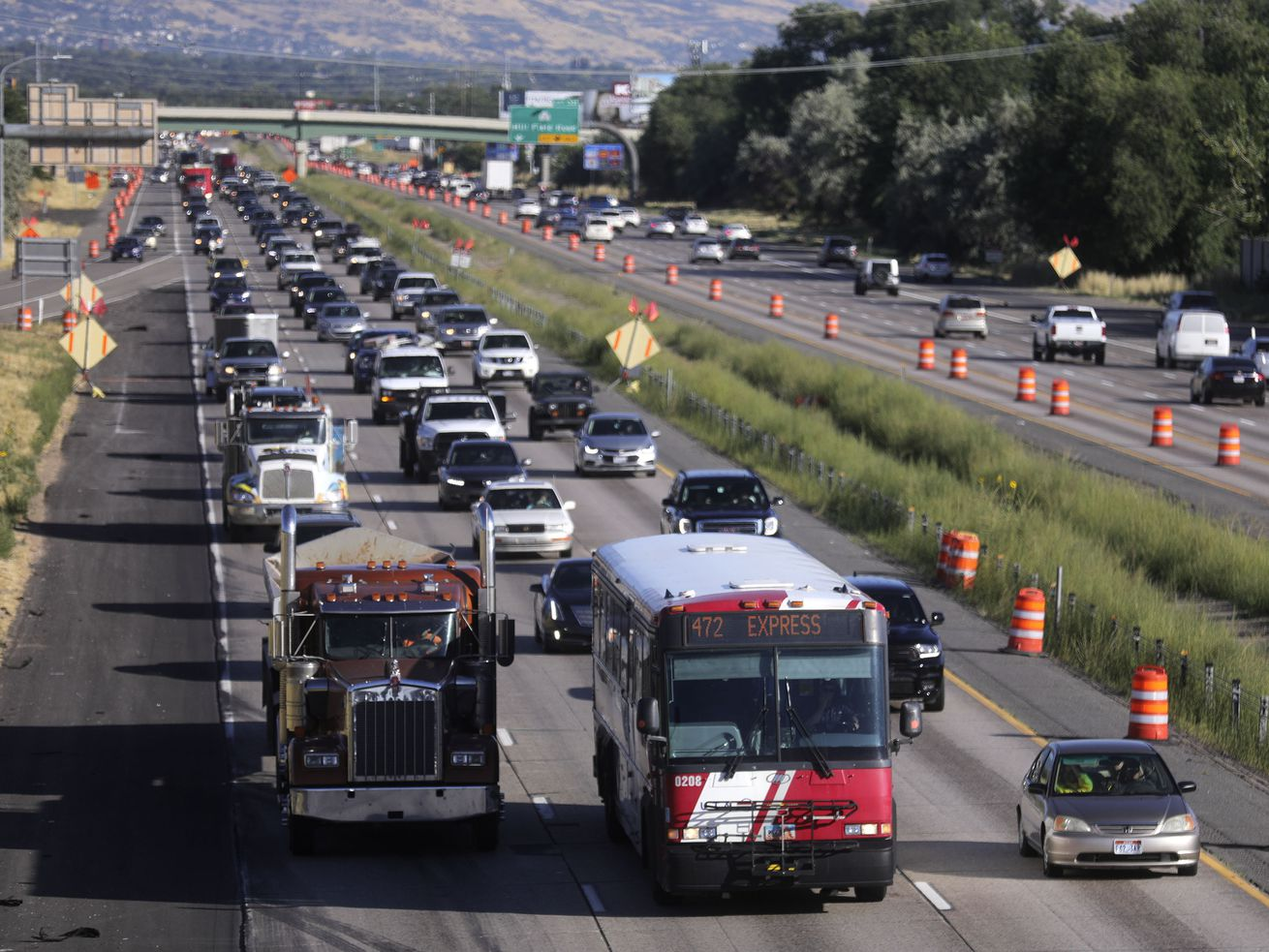Should Congress try a no-strings approach to federal highway funding?