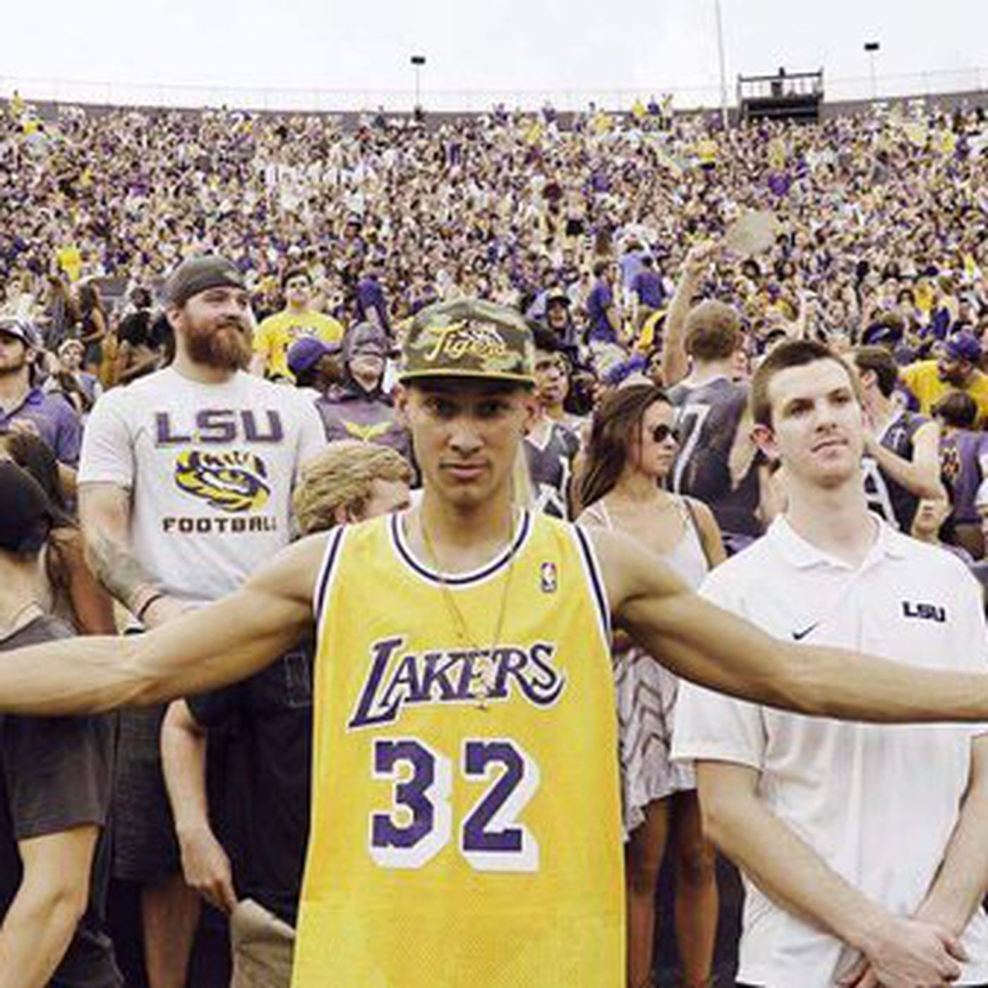 more photos 0d35f c8021 Ben Simmons really loves the Lakers and isn't afraid to show ...