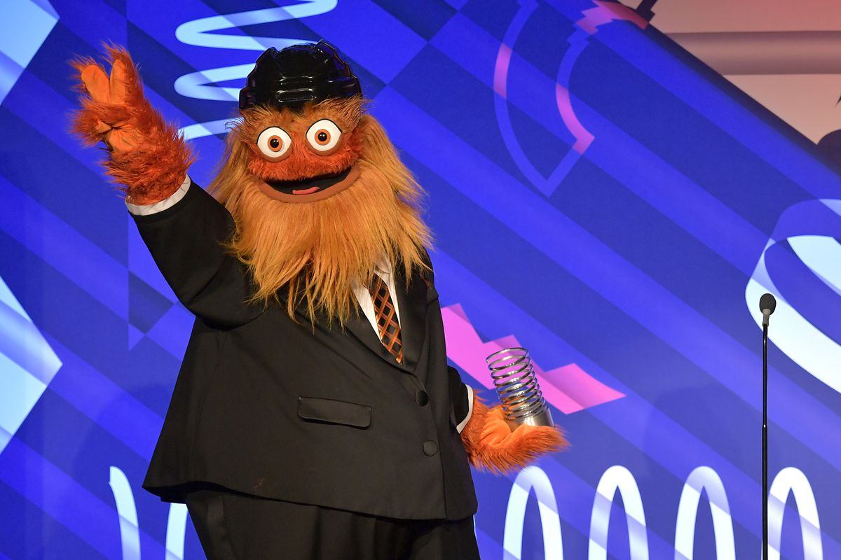 Gritty wears a suit, accepts Webby Award