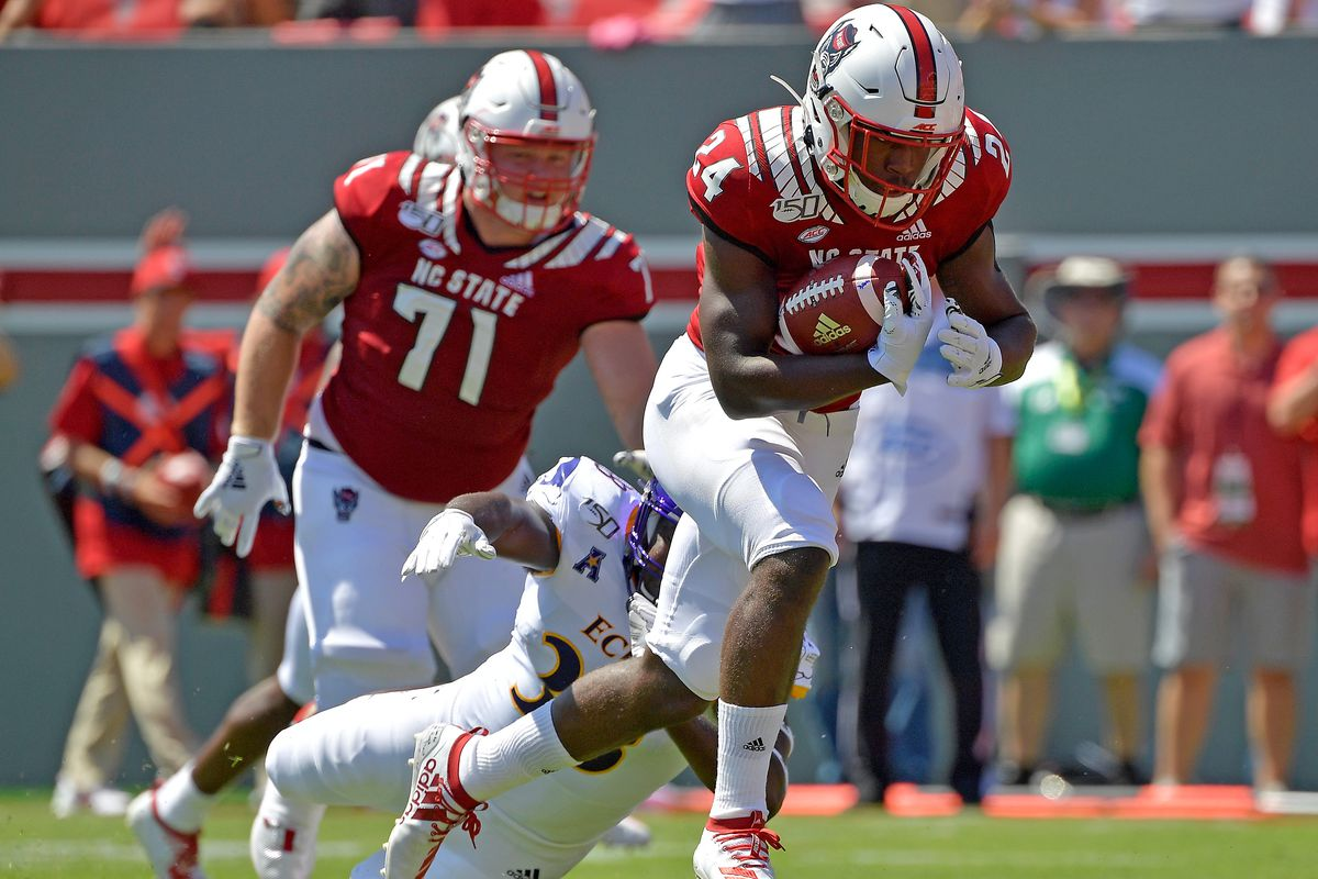 Are There More Than Four Wins On Nc State S 2020 Football Schedule Backing The Pack