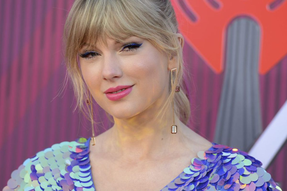 Taylor Swift Donates 113k To Tennessee Lgbtq Advocacy Group