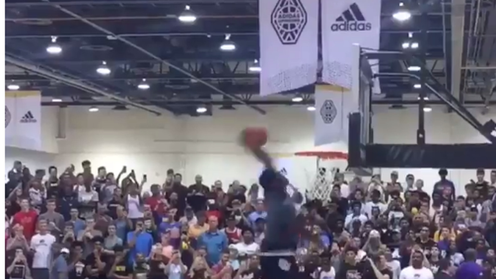 LaMelo Ball vs. Zion Williamson drew cops, NBA stars and an oversold gym