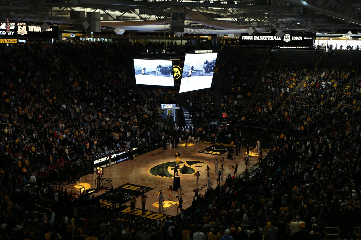 Free-For-All Friday: Does Iowa Basketball Have a Carver-Hawkeye ...