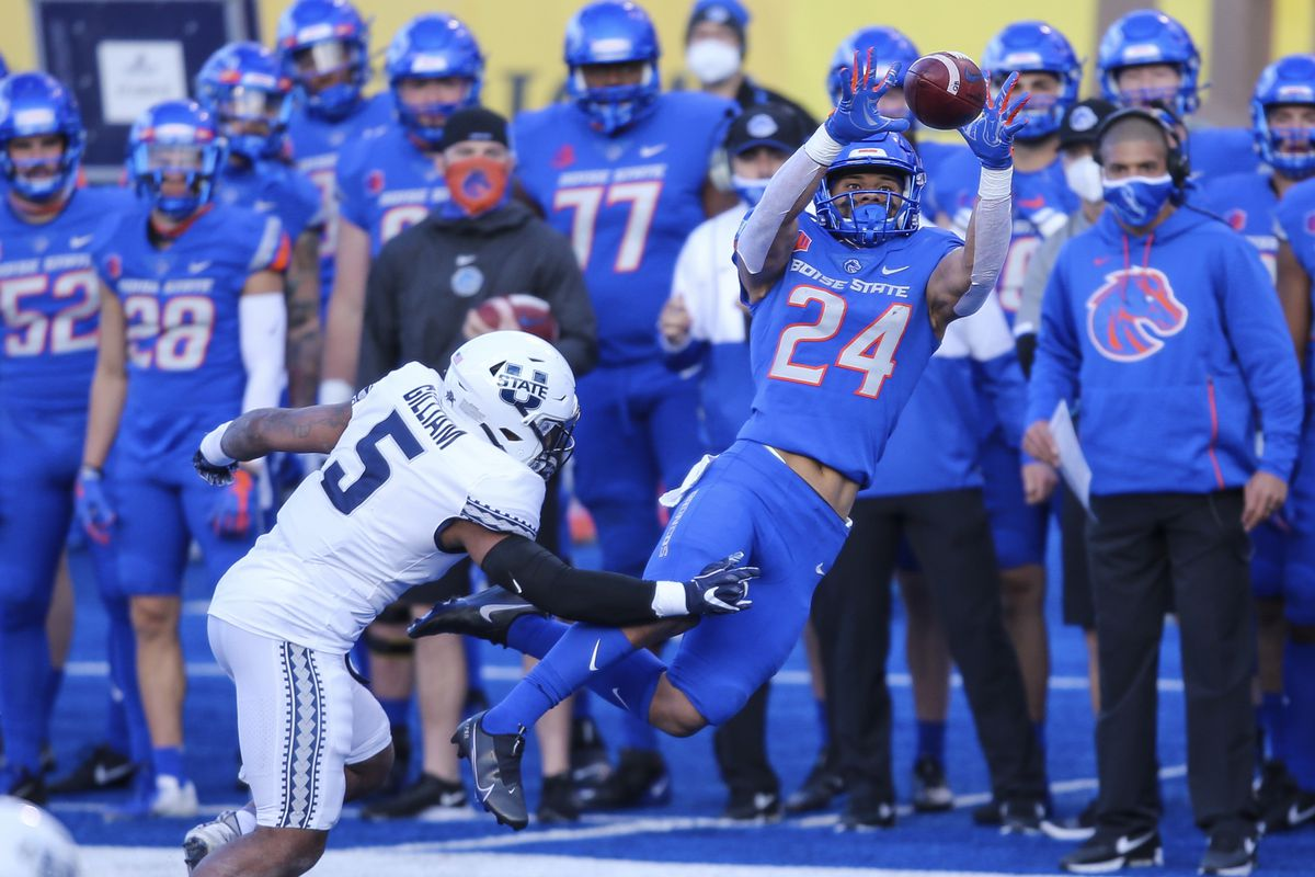 Highlights Key Plays And Photos From Utah State S 42 13 Loss To Boise State Deseret News