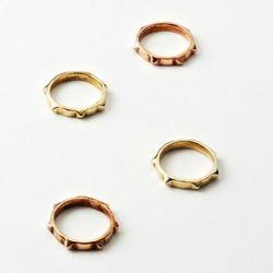 Sahara rings.