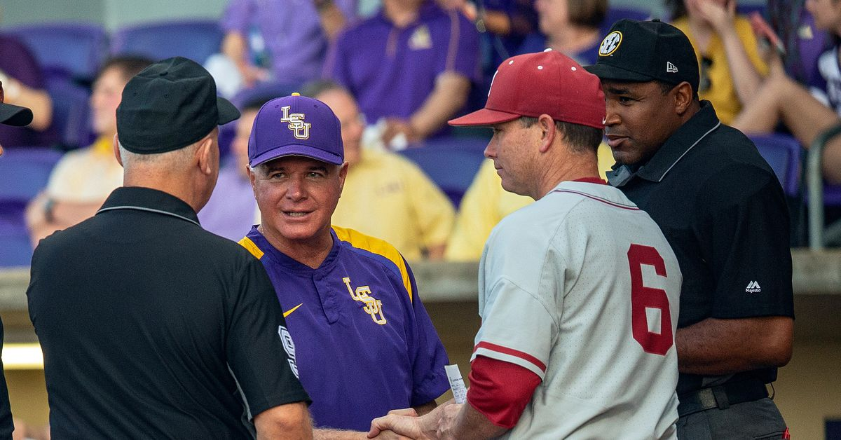 Baseball routs Alabama State 10-3 to remain perfect on the season