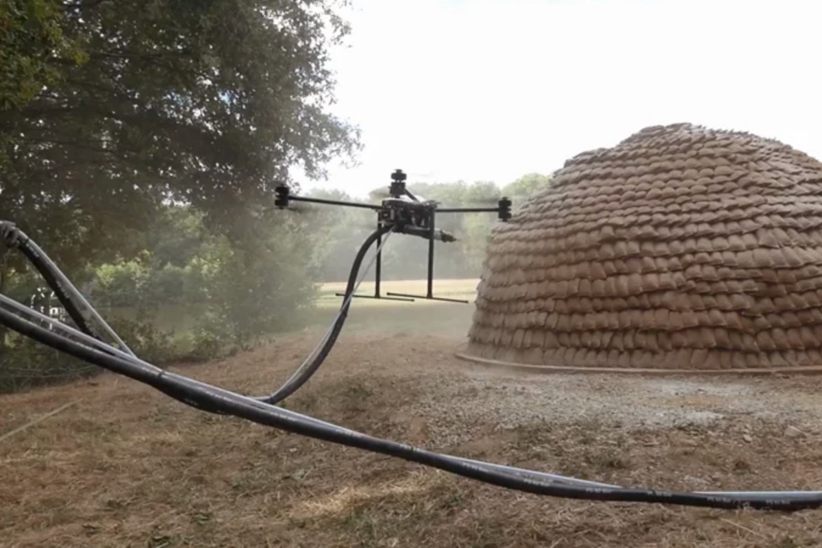 Mud-spraying drones could help build emergency shelters - Curbed