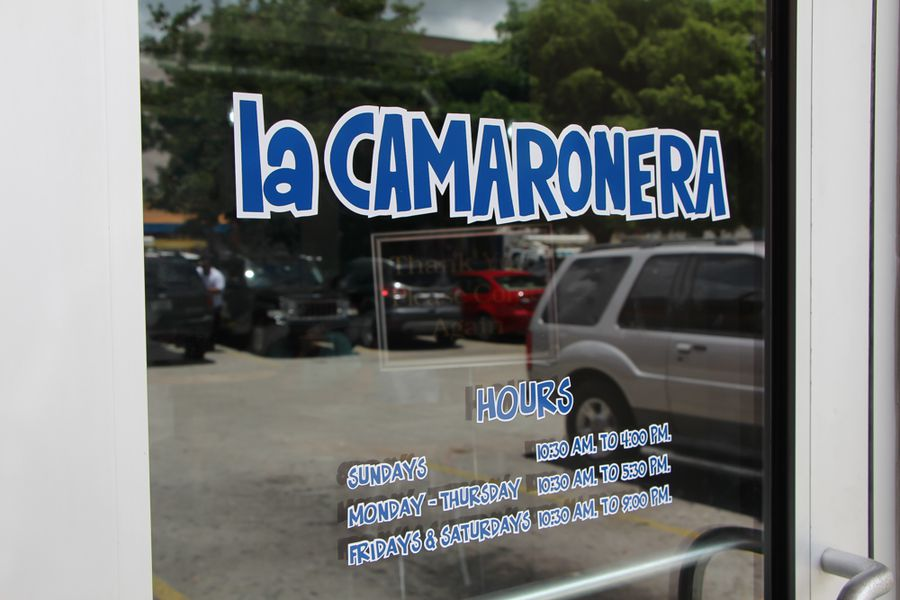 La camaronera restaurant fish market thursday at 1 p m for Fish market miami