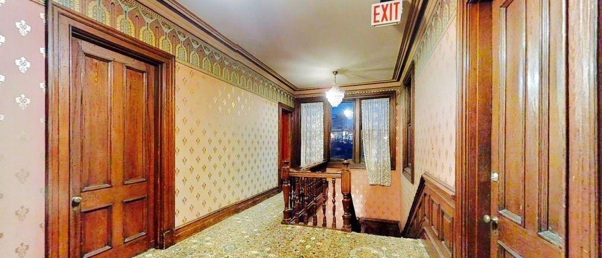 Staten Island S Historic Haunted Kreischer Mansion Is For