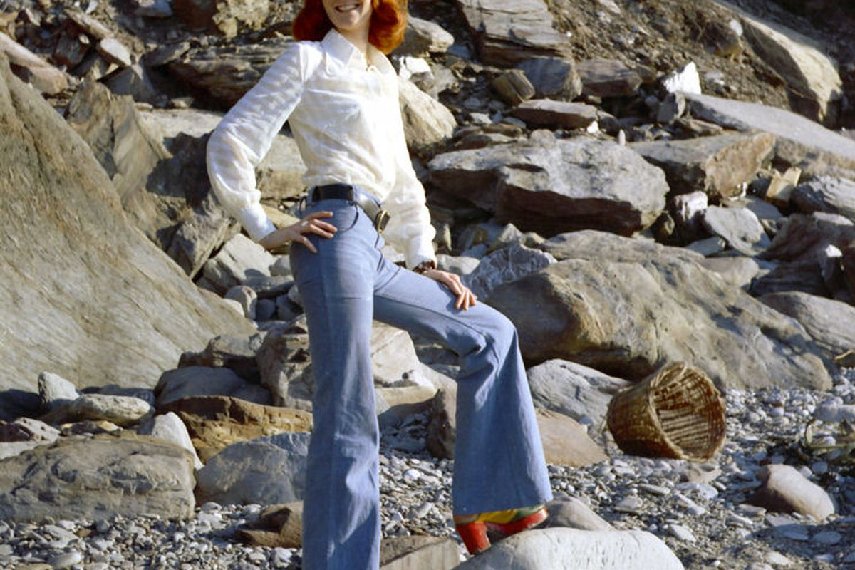 """Photo by: Mike Powell via <a href=""""http://commons.wikimedia.org/wiki/File:Redhead_Beach_Bell_Bottoms.jpg"""">Wikimedia Commons</a>, Creative Commons License"""