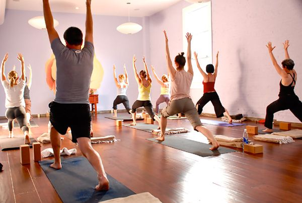 Nyc S 17 Best Hot Yoga Studios For Forgetting That It S Winter Racked Ny
