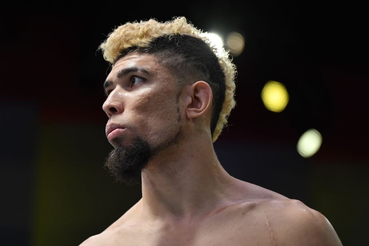 Johnny Walker lost to Thiago Santos at UFC Vegas 38
