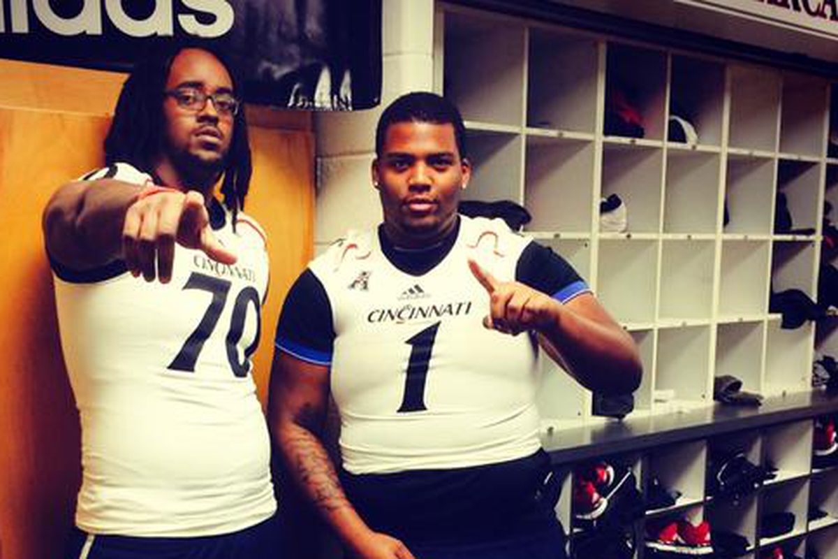 DeLonte Murray (right) will sign with UC tomorrow.