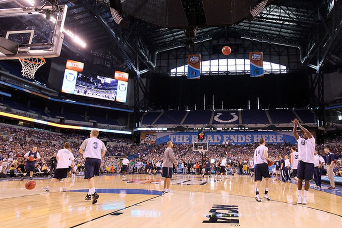 INDIANAPOLIS - APRIL 02:  The Butler Bulldogs practice prior to the 2010 Final Four of the NCAA Division I Men's Basketball Tournament at Lucas Oil Stadium on April 2, 2010 in Indianapolis, Indiana.  (Photo by Andy Lyons/Getty Images)