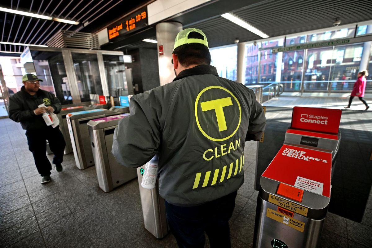 MBTA intensifica esforços de limpeza para proteger contra o coronavírus