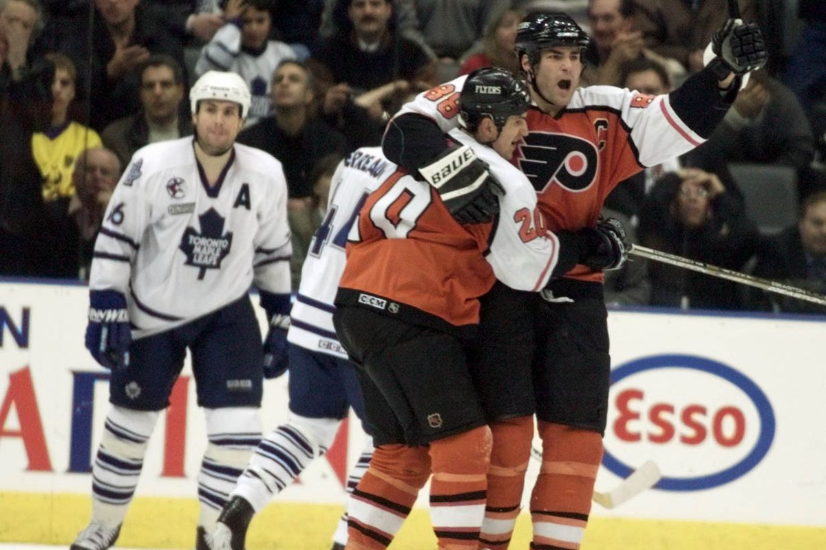 DIGITAL IMAGE----Philadelphia Flyers Eric Lindros celebrates their fourth goal versus Toronto in Tor