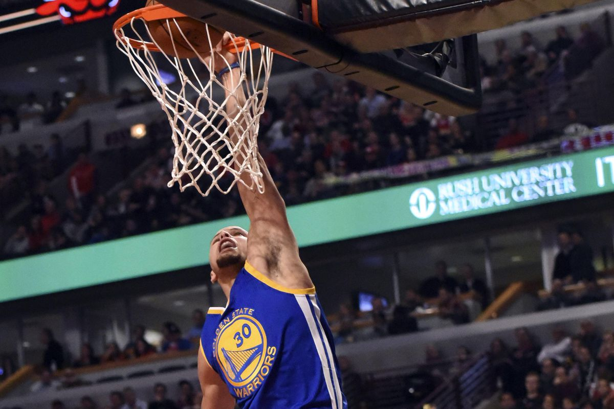 Chef Curry with the dunk.