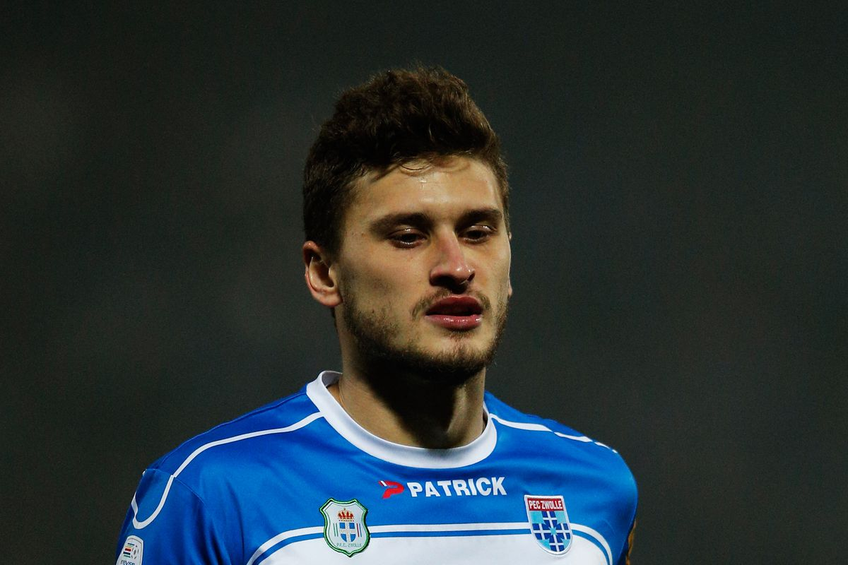 Poland global Mateusz Klich undergoing medical at Leeds United