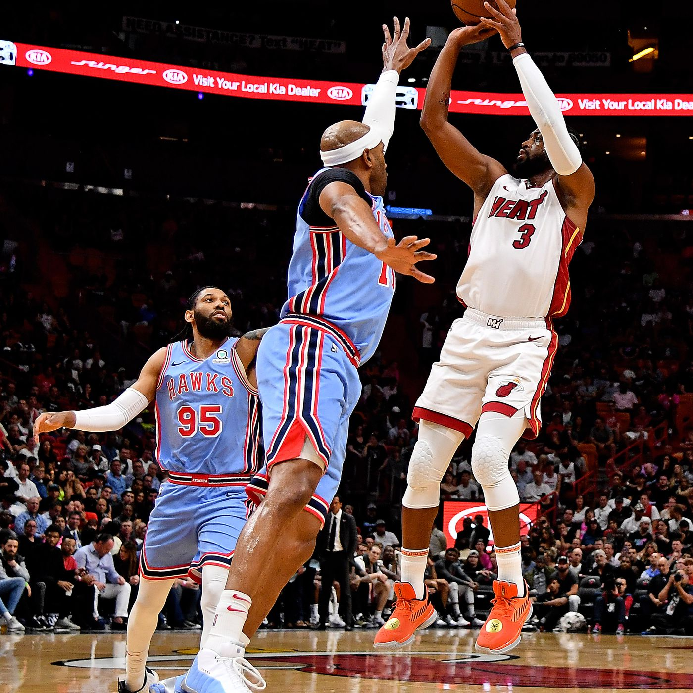 Dwyane Wade outduels Vince Carter Atlanta in Hawks loss to Miami Heat -  Peachtree Hoops 8e779ce31