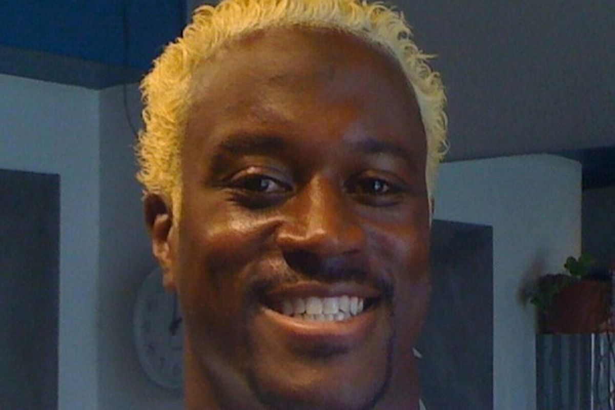 Kassim Osgood dyed his hair blonde and posted a picture of it on Twitter