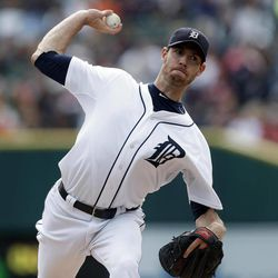 Detroit Tigers starting pitcher Doug Fister throws against the Kansas City Royals in the first inning of a baseball game in Detroit, Thursday, Sept. 27, 2012.