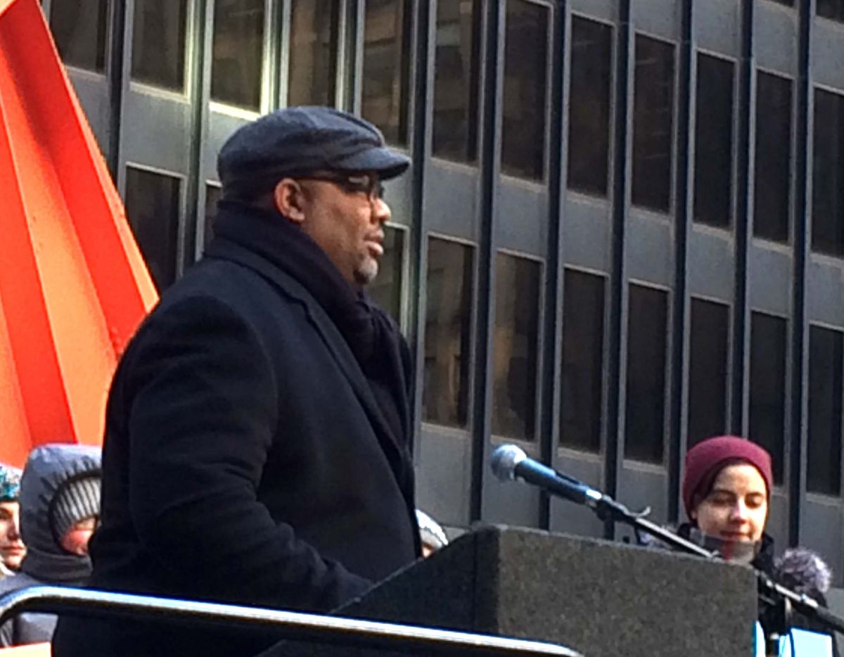 <small><strong> The Rev. Corey Brooks speaks to the crowd at the March for Life Chicago. | Jon Seidel/Sun-Times</strong></small>