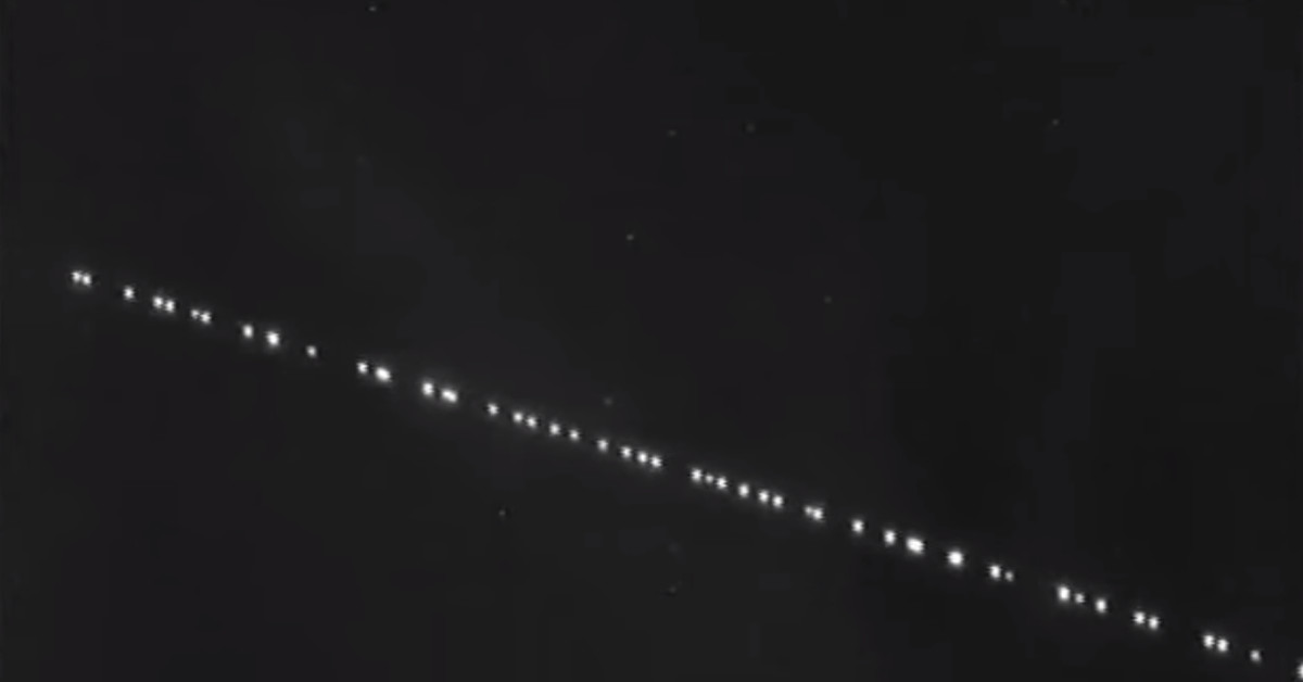 An astronomer captured SpaceX's recently-launched StarLink satellites on video