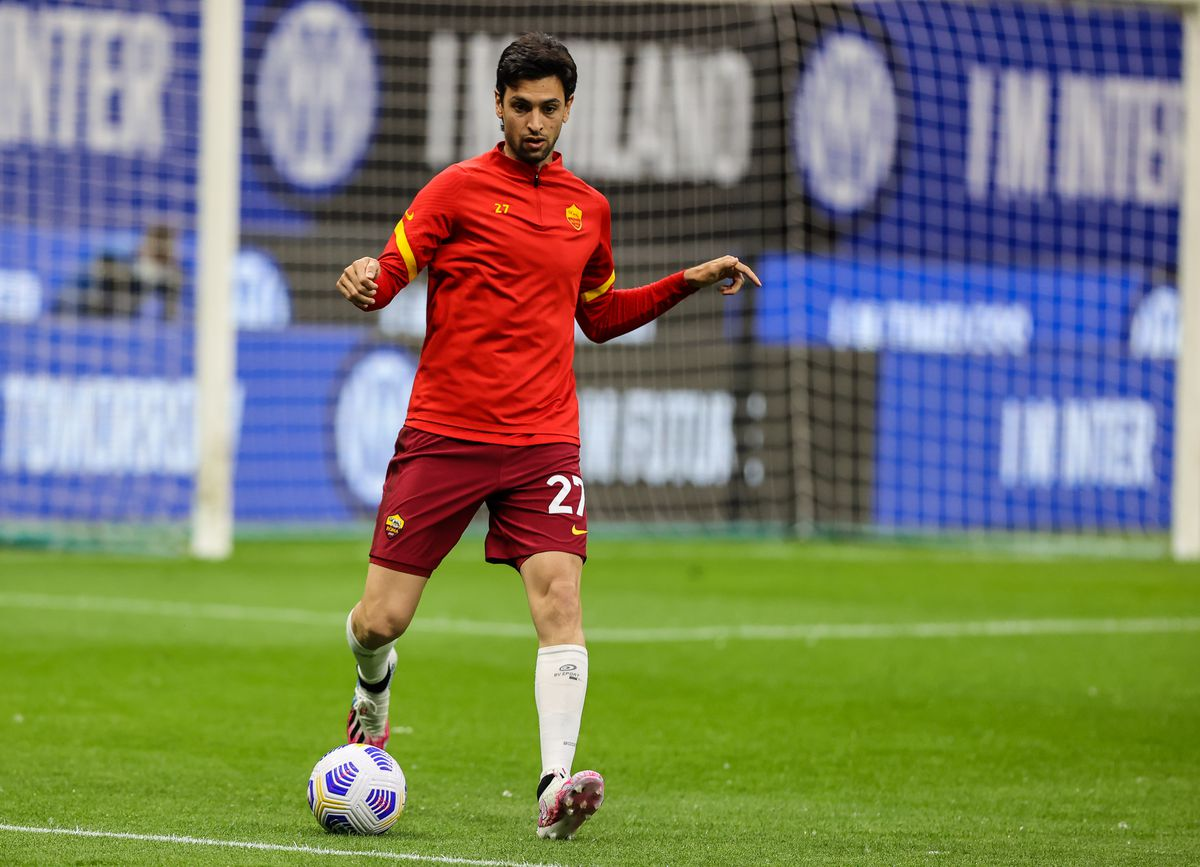 Javier Pastore of AS Roma warms up during the Serie A 2020/...