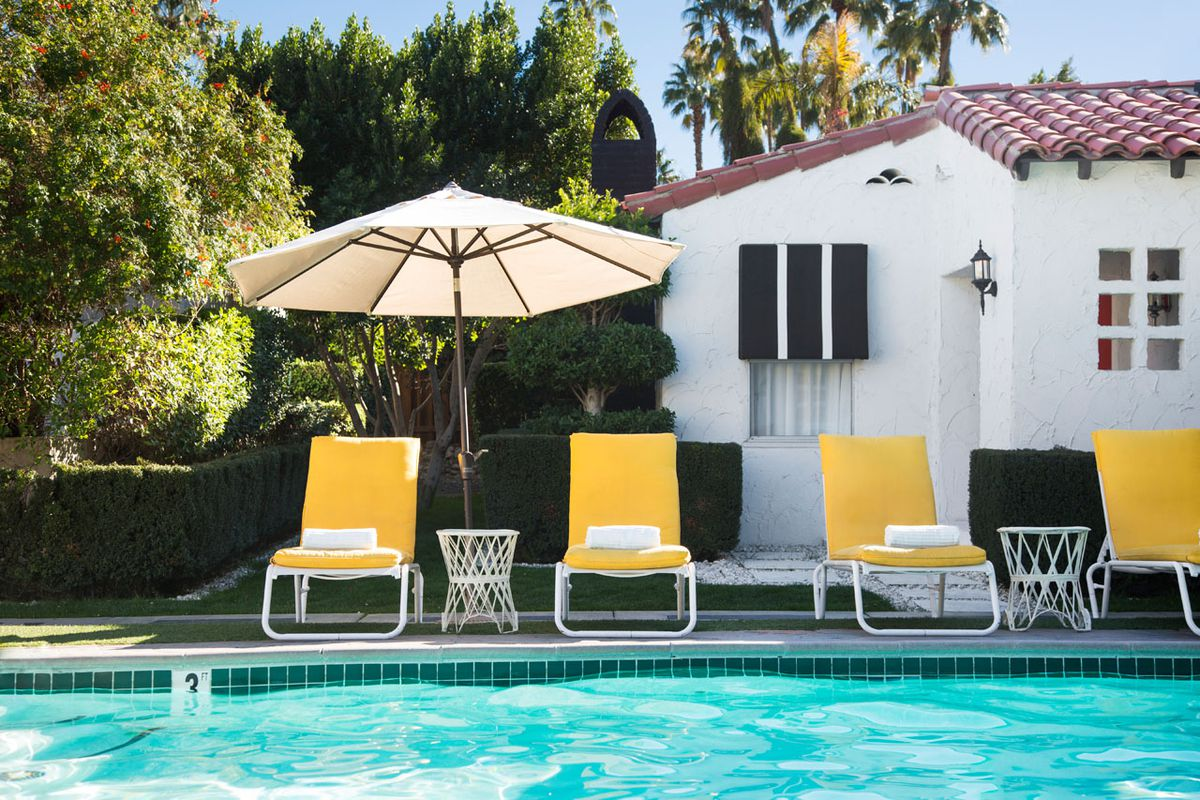A guide to california desert design and travel curbed la - Palm springs swimming pool contractors ...