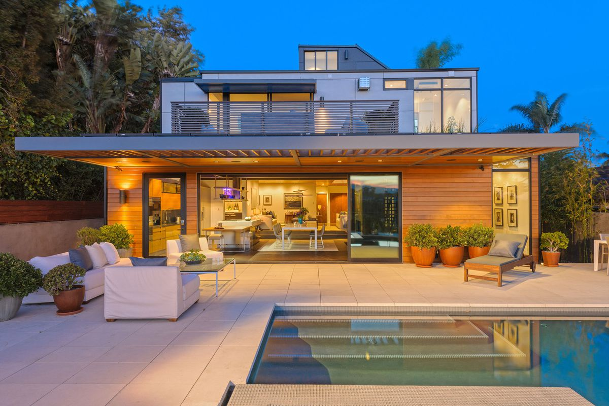 Amazon Invests In Prefab Homebuilder Plant Prefab Potential Play For Alexa Dominance Curbed