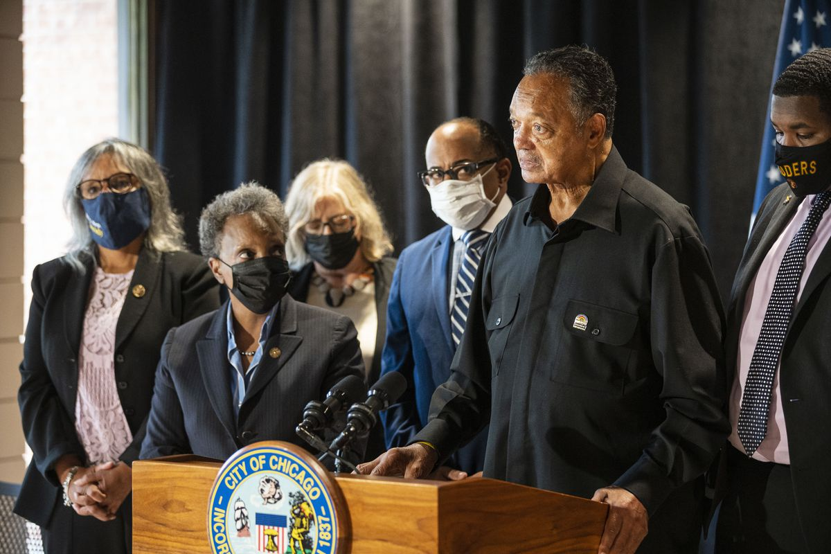 Rev. Jesse Jackson speaks about the progress and improvement of housing conditions at Concordia Place Apartments in Eden Green, Tuesday, Oct. 5, 2021.   Anthony Vazquez/Sun-Times