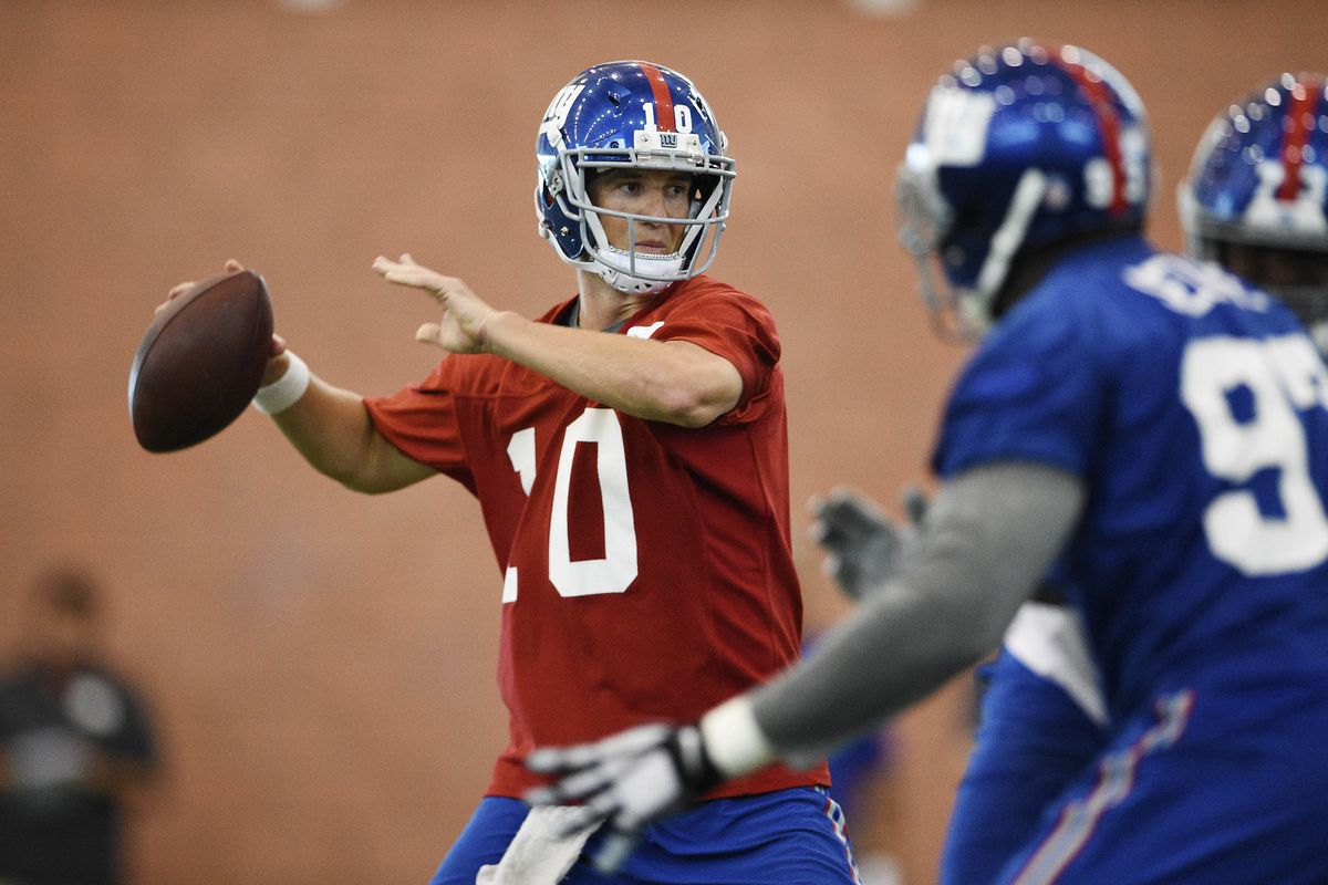 Eli Manning during Tuesday's mini-camp practice.