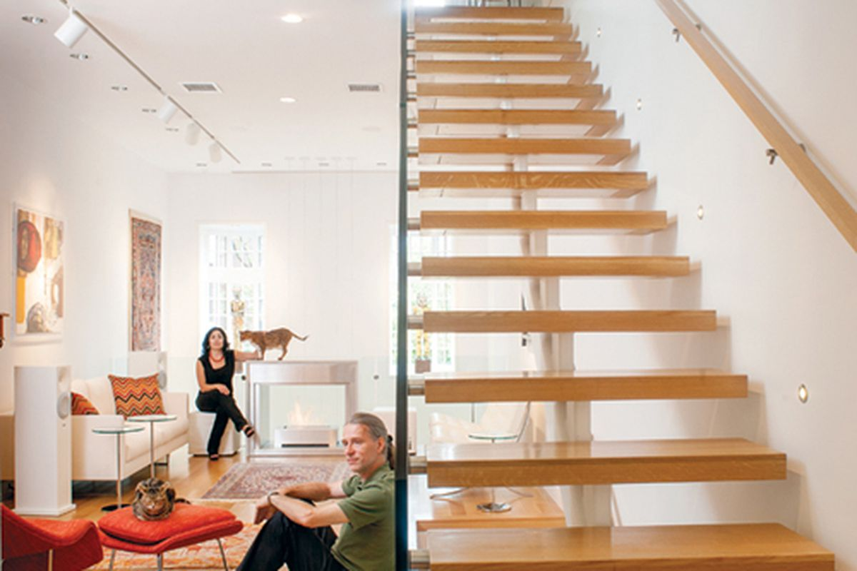 """Out with that stuffy Brahmin style of generations past. The next round of Boston hotshots opt for clean, modern living. (Photo by <a href=""""http://www.bostonmagazine.com/articles/2012/10/contemporary-interior-design-trend-boston/"""" target=""""new"""">Jared"""